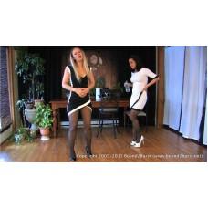 Dee & Jamie's Second Holding Contest (MP4) - Jamie Daniels & Dee