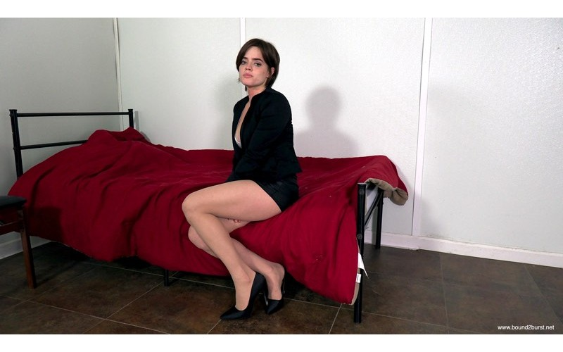Desperate To Close The Deal (MP4) - Violet
