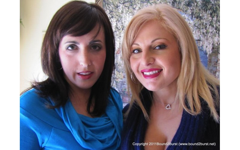 Holding Contest 08 (MP4) - Lola Lynn and Dixie Comet