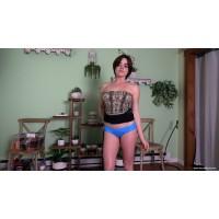 Showing Off The Bulge (MP4) - Violet